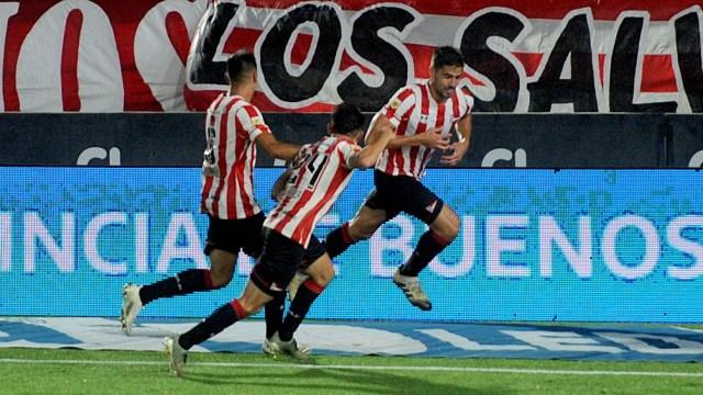 Estudiantes ganó frente a River en el comienzo de la Copa de la Liga