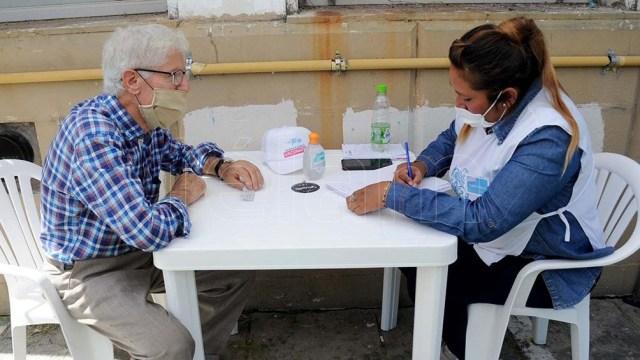 El lunes 22 de febrero empezarán a vacunar a los mayores de 80 años.