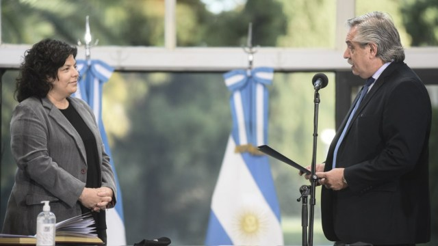 El sábado Alberto Fernández le tomó juramento a Carla Vizzotti.