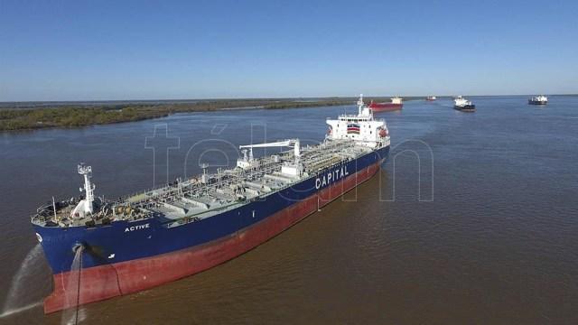 La funcionaria expuso en el XV Encuentro Argentino de Transporte Fluvial.