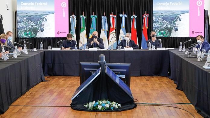 El encuentro fue encabezado por el ministro de Transporte, Mario Meoni.
