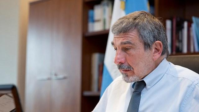 """Argentina """"está entre los países que pueden fabricar millones de dosis"""" de vacunas contra el coronavirus, afirmó Salvarezza."""