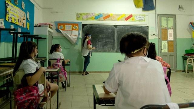 """Maestros pidieron una reunión urgente por la """"preocupante situación sanitaria-epidemiológica del distrito""""."""