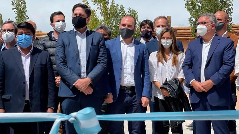 El Ministro de Economía visitó la provincia de Catamarca, donde fue recibido por el gobernador Raúl Jalil.