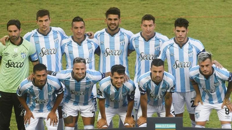 """Atlético Tucumán nunca pudo vencer a Vélez: el historial entre ambos equipos muestra amplia ventaja para el """"Fortín"""", con 8 triunfos y 2 empates"""