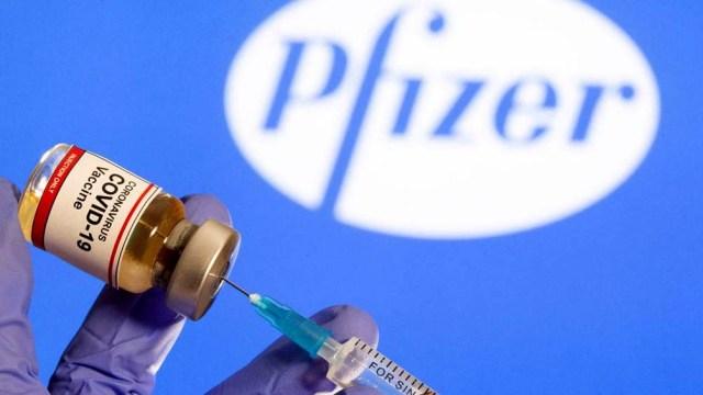 Si bien la vacuna de Pfizer es la segunda más aprobada en todo el mundo, varios países no pudieron adquirirla por desencuentros a la hora de cerrar los contratos.