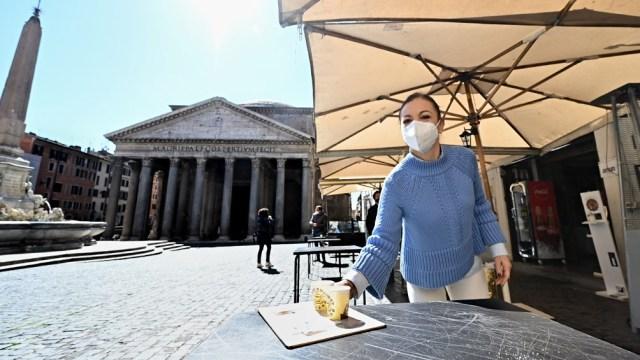 Italia extendió las restricciones hasta fines de abril.