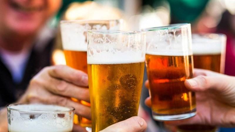 Entre las restricciones estará la prohibición de beber alcohol en la vía pública