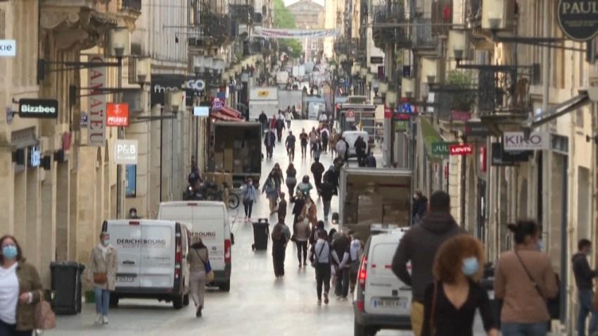 Desde 1999 Francia tiene un impuesto a las viviendas vacías por más de dos años, inicialmente para las ciudades más pobladas. El tributo sube a medida que pasa el tiempo.