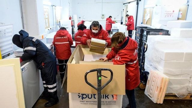 El martes 30 de marzo aterrizó otro envío desde Rusia con 250.000 dosis del componente 1 y 50.000 dosis del componente 2 de la vacuna Sputnik V.
