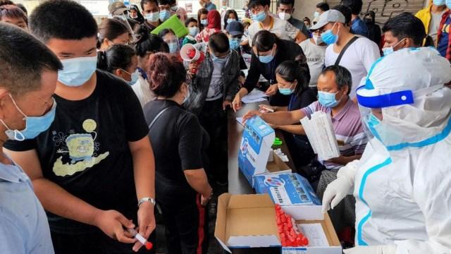 El país acumula 90.305 casos de coronavirus y 4.636 muertes desde que el virus fue detectado por primera vez en su ciudad central de Wuhan.