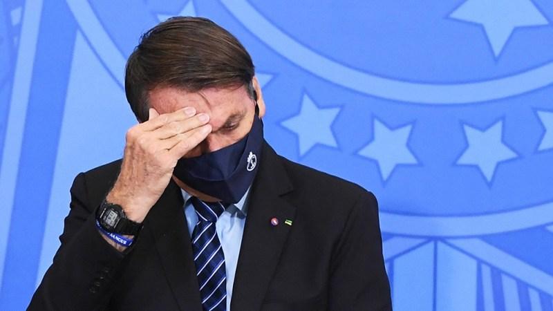 """""""Si me ganan con fraude el año que viene, no entregaré la banda presidencial a otro"""", dijo Bolsonaro."""