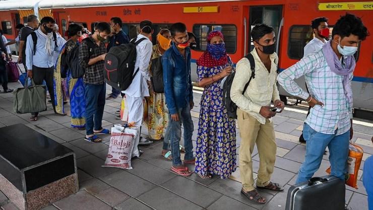 India informó un récord de 261.500 casos en el último día