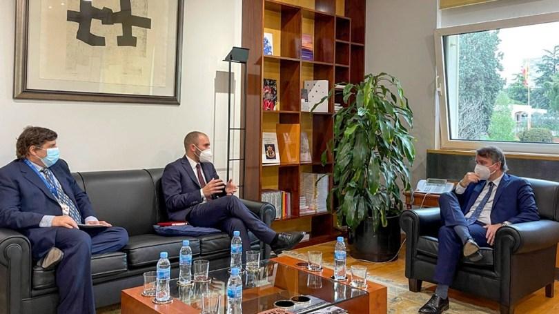 El ministro Guzmán se reunió en España con Sergio Chodos.