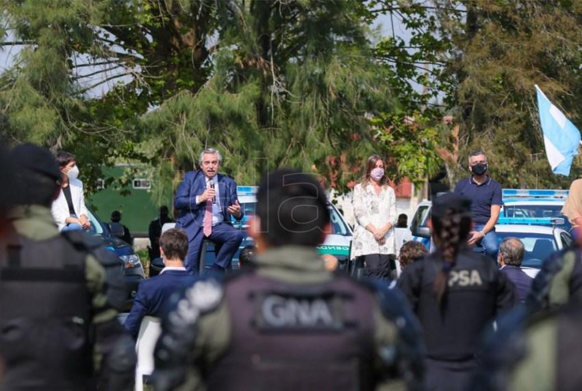 En el acto desarrollado en el partido bonaerense de San Miguel, el Presidente estuvo acompañado por la ministra Frederic e intendentes.