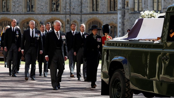 La ceremonia es transmitida en vivo por BBC One