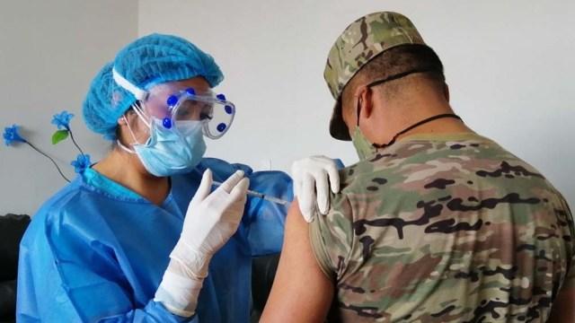 """La nueva etapa de vacunación se denominó """"Personal estratégico"""""""