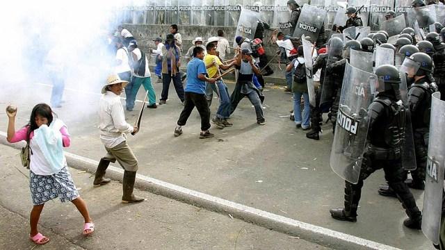 """La Red de Derechos Humanos Francisco Isaías Cifuentes alertó en un comunicado que """"en las calles (de Cali) están asesinando a los manifestantes""""."""