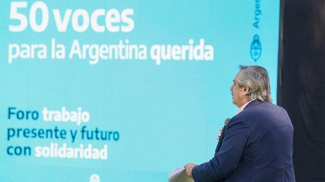 """Fernández también agradeció especialmente """"la responsabilidad con la que los sindicalistas enfrentaron las paritarias""""."""