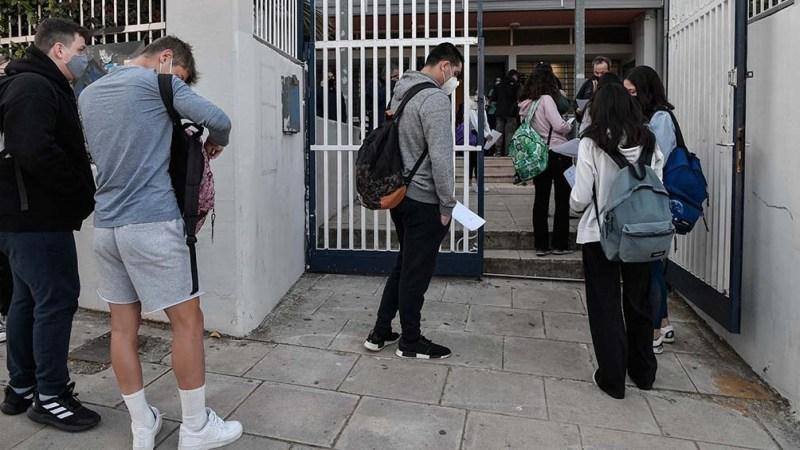El Gobierno pretende imponer restricciones a los no inoculados desde este lunes