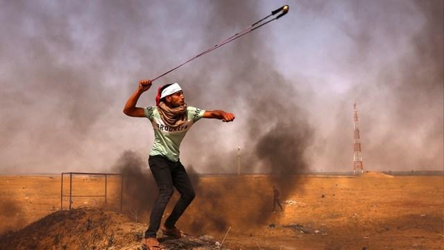 Enfrentamientos entre palestinos y la policía israelí en la Ciudad Vieja de Jerusalén han dejado más de 300 heridos en los últimos días.entos enfrentamientos entre palestinos y policías israelíes que dejaron hasta ahora más de 300 heridos.