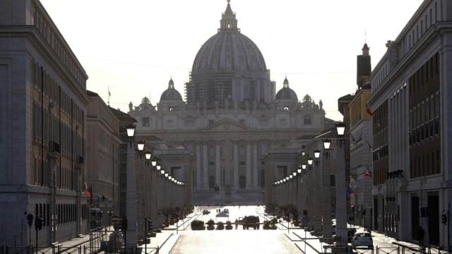 El Vaticano reclamó que se asegure un acceso equitativo global a los fármacos