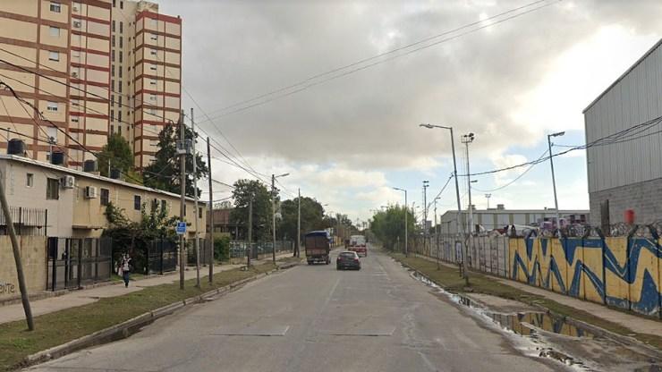 El hecho que se conoció en las últimas horas ocurrió este jueves pasado el mediodía cuando los detenidos circulaban a bordo de un vehículo Fiat Palio Ventura gris por la calle Debenedetti al 2100.
