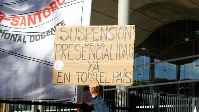 """""""No hay virtualidad en CABA porque no les interesa la educación"""", dijo López."""