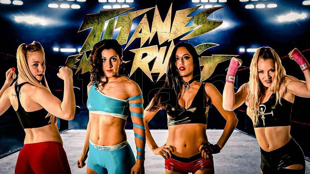 """Las """"titánides"""", toda una novedad en el ring."""