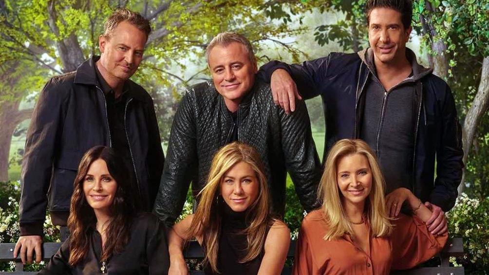 Las seis estrellas en la foto oficial del reencuentro: Matthew Perry, Matt LeBlanc, David Schwimmer, Courteney Cox, Jennifer Aniston y Lisa Kudrow.