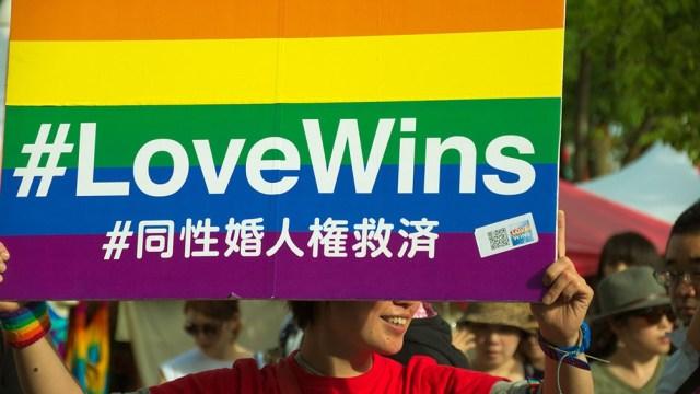 La comunidad LGBTQ marchó por una ley que el partido gobernante ya adelantó que no votará.