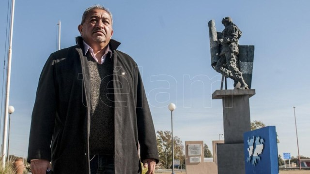 David Alfredo Díaz es un santiagueño que nunca había salido de su pago, menos había subido en un avión y, sin saberlo, a los 18 años llegó a la Guerra del Atlántico Sur