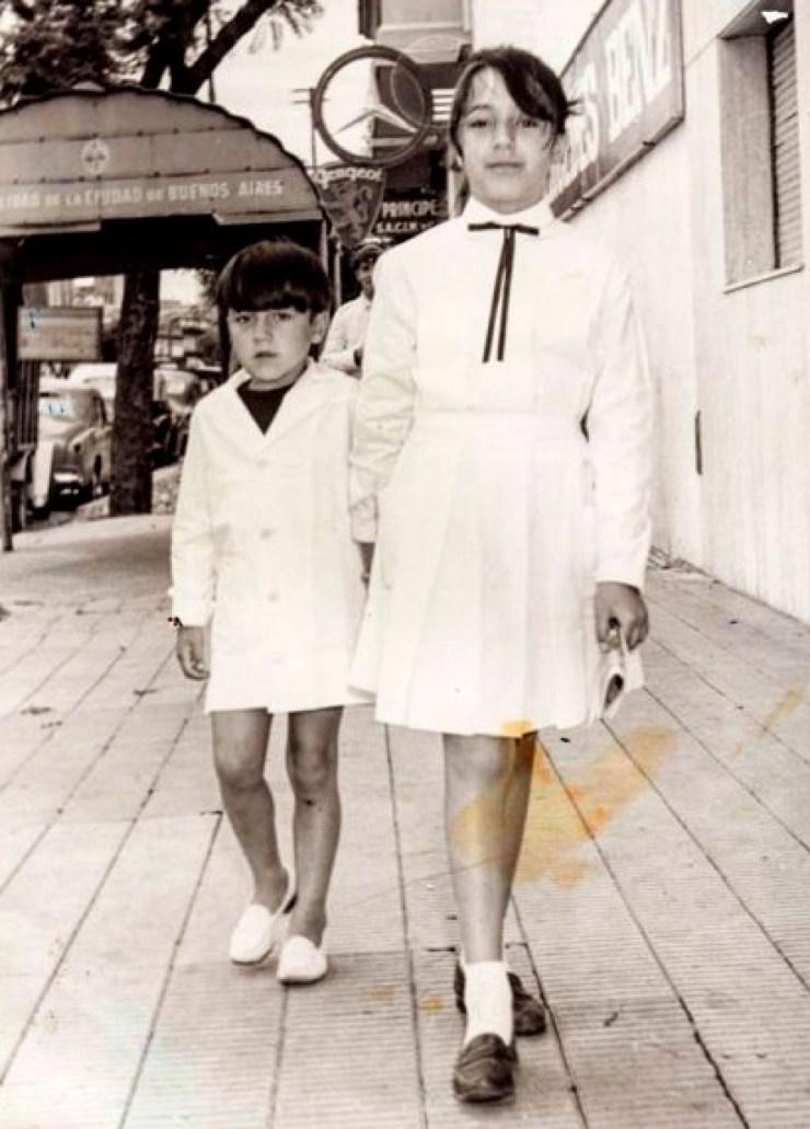 Javier y su hermana Claudia (también víctima del terrorismo de Estado).