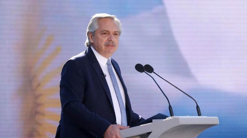 Fernández anunciará la ampliación de las becas