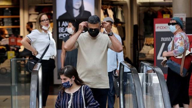Con el rebrote, el barbijo vuelve a ser exigido en lugares cerrados.