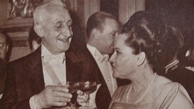 Con su esposa, Silvia Martorell. Ella falleció dos meses después del golpe de Onganía.