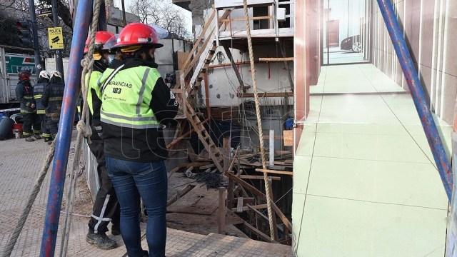 Dos trabajadores resultaron heridos tras el derrumbe. Foto: Victoria Egurza.