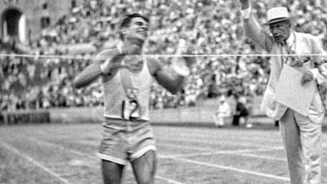 A los 19 años, el 7 de agosto de 1932, escribió una de las páginas más notables de la historia del deporte argentino.