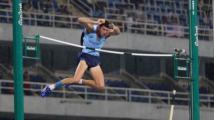Germán Chiaraviglio tendrá la clasificación de salto con garrocha el viernes 30.