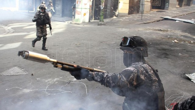 El golpe a Evo vino acompañado de una dura represión.