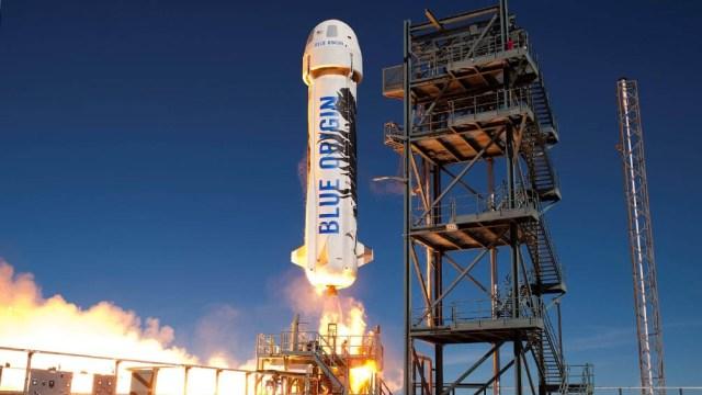 El magnate fue lanzado este martes al espacio a bordo de la nave reutilizable New Shepard.