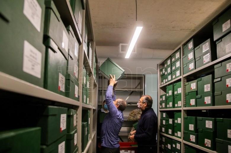 Si se pusiera una caja de material al lado de la otra, el AGN podría dar cuenta de 17 kilómetros lineales de historia argentina.