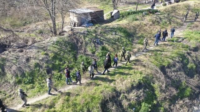 La banda operaba con una tirolesa por sobre el río Matanza.