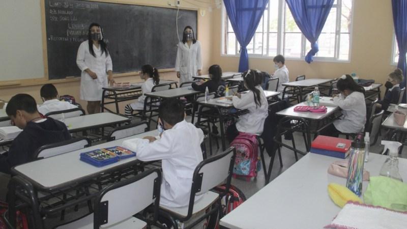 El ministro de Educación informó sobre la serie de reuniones con especialistas para analizar los cambios en el protocolo de las escuelas. (Foto José Gandolfi)