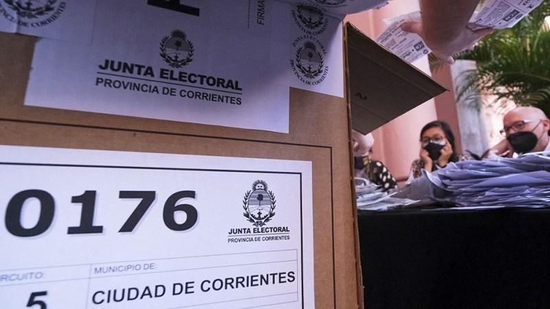 La lista Verde 502 A, que cuenta con el apoyo del gobernador correntino Gustavo Valdés, obtiene el 75,31% de los votos de su frente interno.