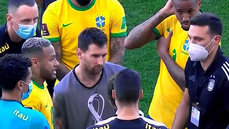 Messi, scaloni y Neymar en medio del escándalo.
