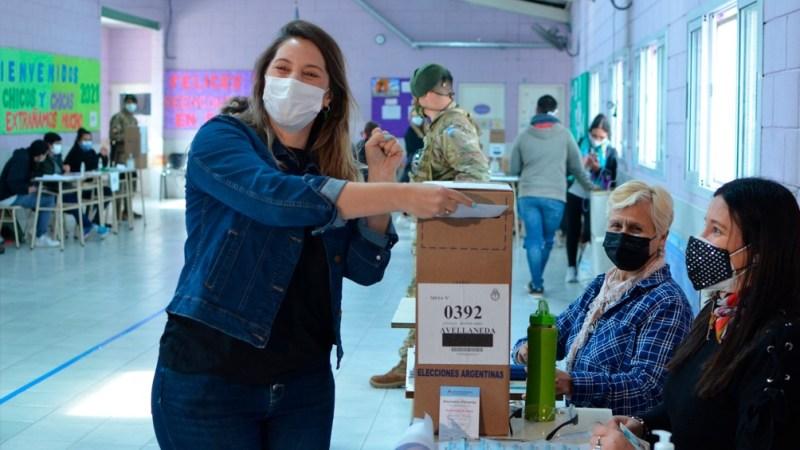 Manuela Castañeira compartió en sus redes el momento en que votó en Avellaneda.