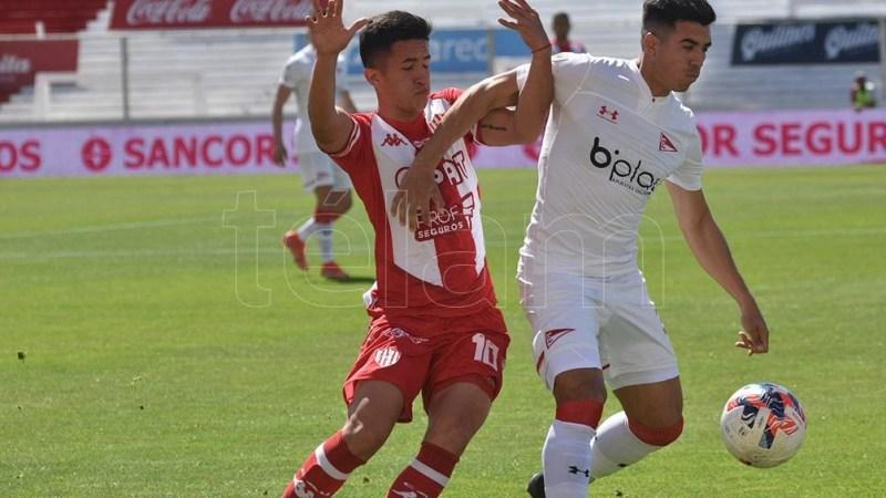 Unión y Estudiantes disputan su duelo 62 en el historial. Foto: Luis Cetraro
