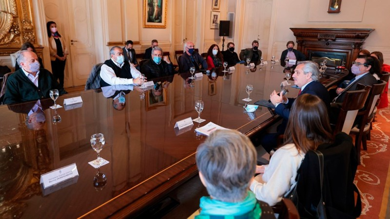 """Luego del encuentro, el secretario general de la CGT, Héctor Daer, señaló que la iniciativa """"da vuelta 20 años de discusión en la Argentina. Foto: Presidencia."""