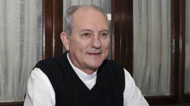 """""""Es """"una urgencia social encontrar una alimentación accesible para todos"""", dijo monseñor Jorge Lugones."""
